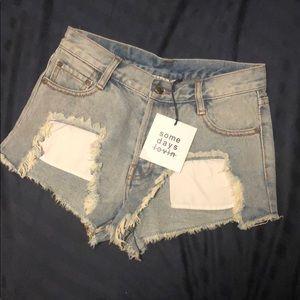 Some days lovin distressed demin shorts
